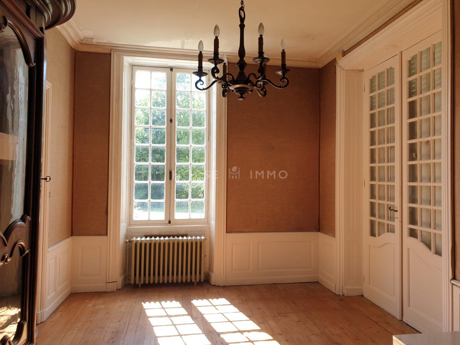 1614337627 VM1666 7 original 1920x1440 - Château et ses 2 logements sur 30ha clos de murs