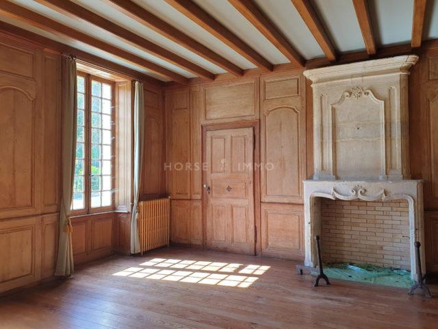 1614337716 VM1666 9 original 640x480 - Château et ses 2 logements sur 30ha clos de murs
