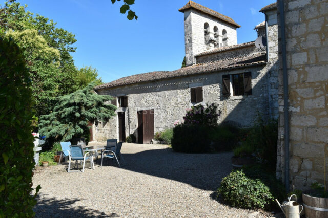 1615905930 VM1712 5 original 640x426 - Château de 340m² sur 3.5ha à 15 min de Bergerac