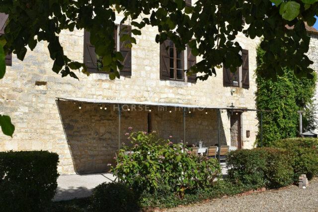 1615905960 VM1712 6 original 640x426 - Château de 340m² sur 3.5ha à 15 min de Bergerac
