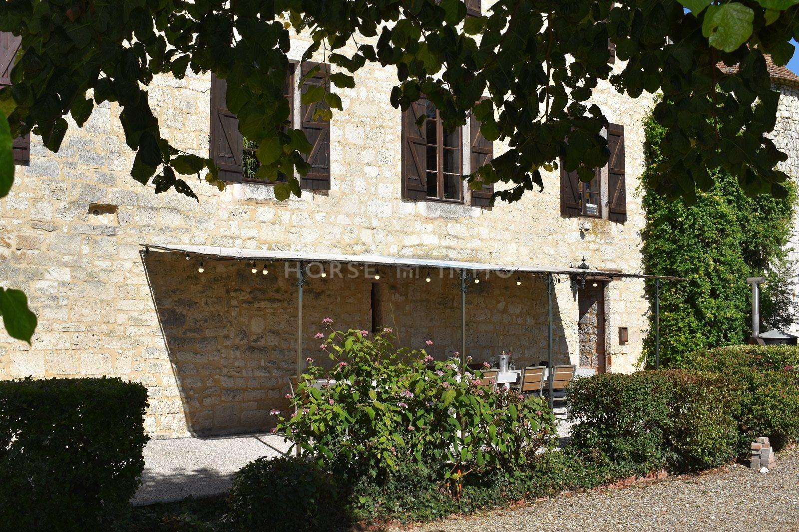 1615905960 VM1712 6 original - Château de 340m² sur 3.5ha à 15 min de Bergerac