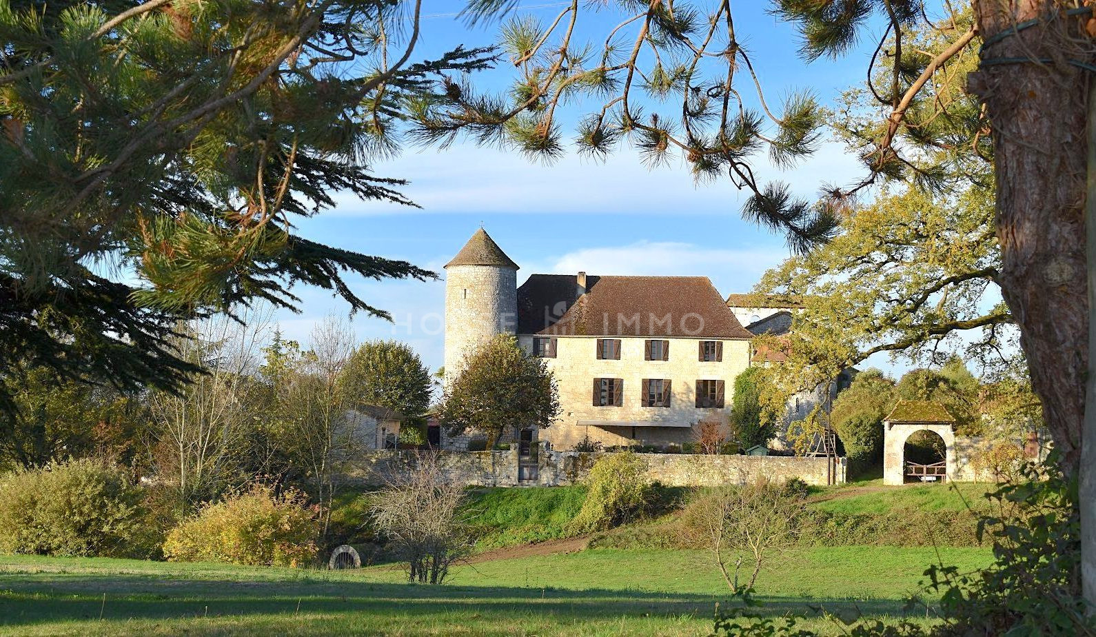 1615973408 VM1712 3 original - Château de 340m² sur 3.5ha à 15 min de Bergerac
