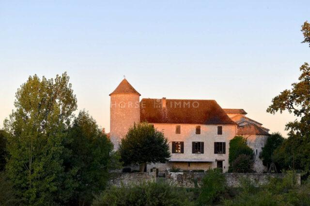 1615973471 VM1712 9 original 640x426 - Château de 340m² sur 3.5ha à 15 min de Bergerac