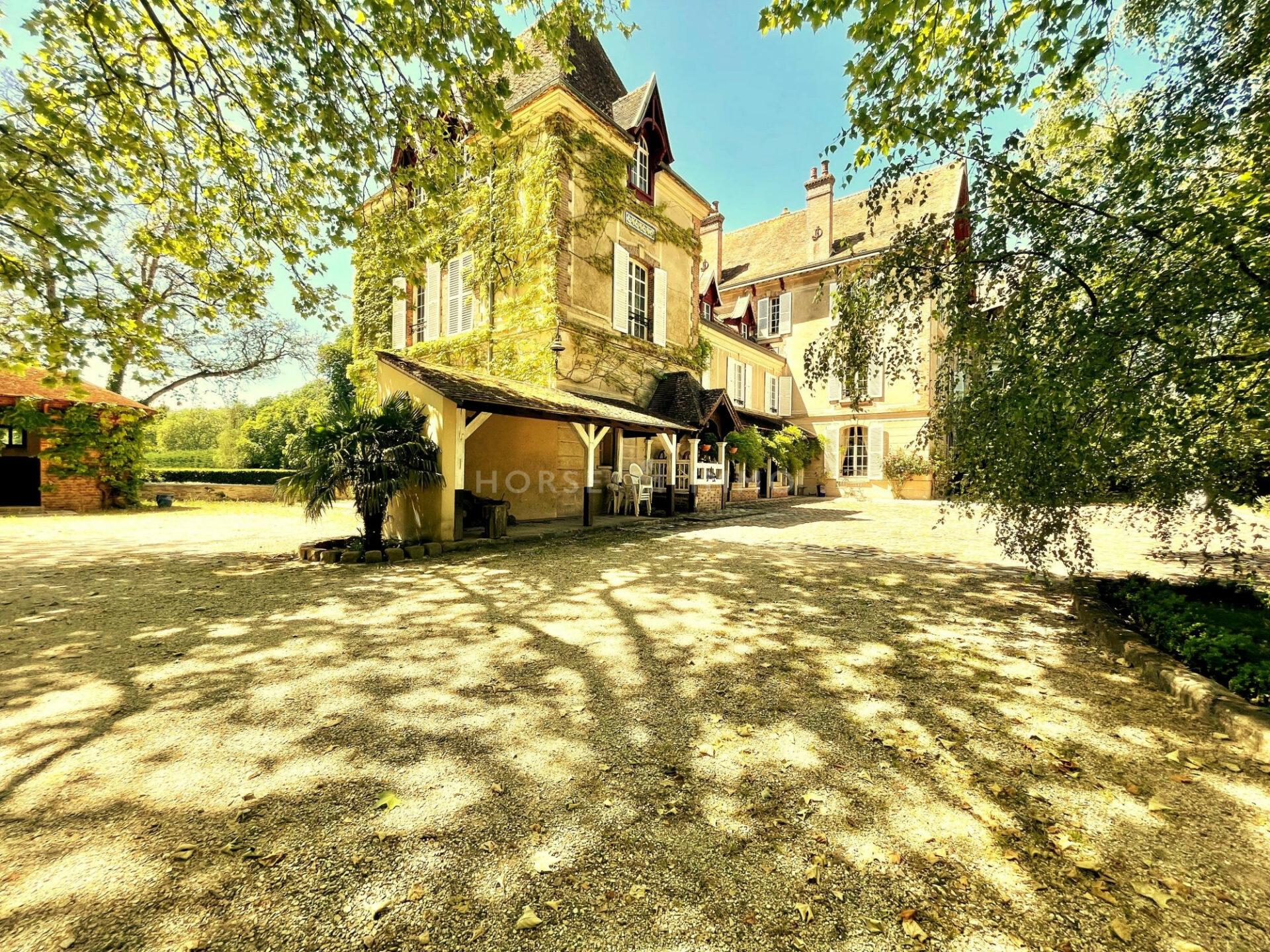 1624020027 VM682 3 original 1920x1440 - Superbe Manoir équestre à 20 minutes de Fontainebleau
